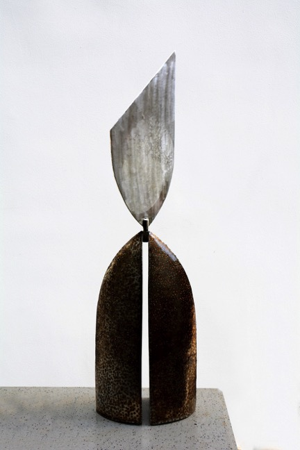 Bui Hai Son_Giao Diem_Point of Intersection_Stainless steel_25x25x95cm_2014
